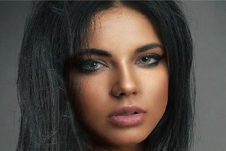 Brown eyes + brown hair