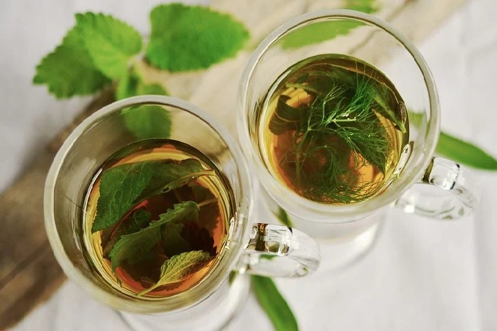 opt for green tea - Eyes Will Thank