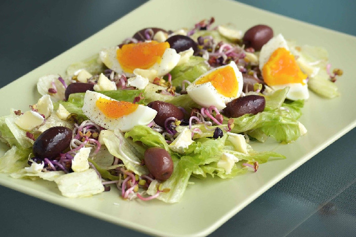 Green Salad With Egg - Delicious Salads