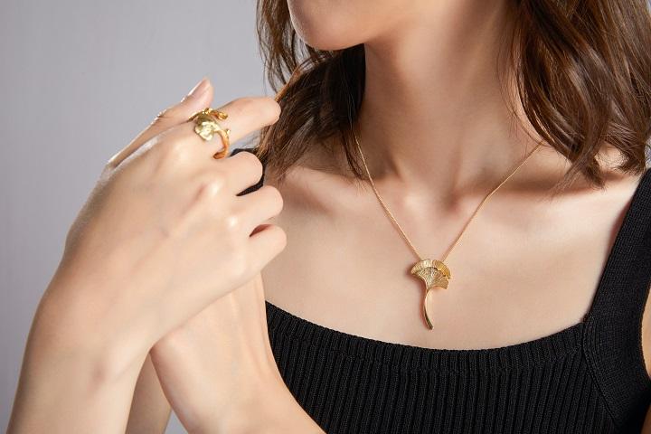 Some Unique designs Of Pendant And Necklaces