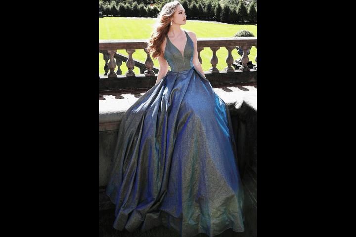 Dresses With Metallic Texture