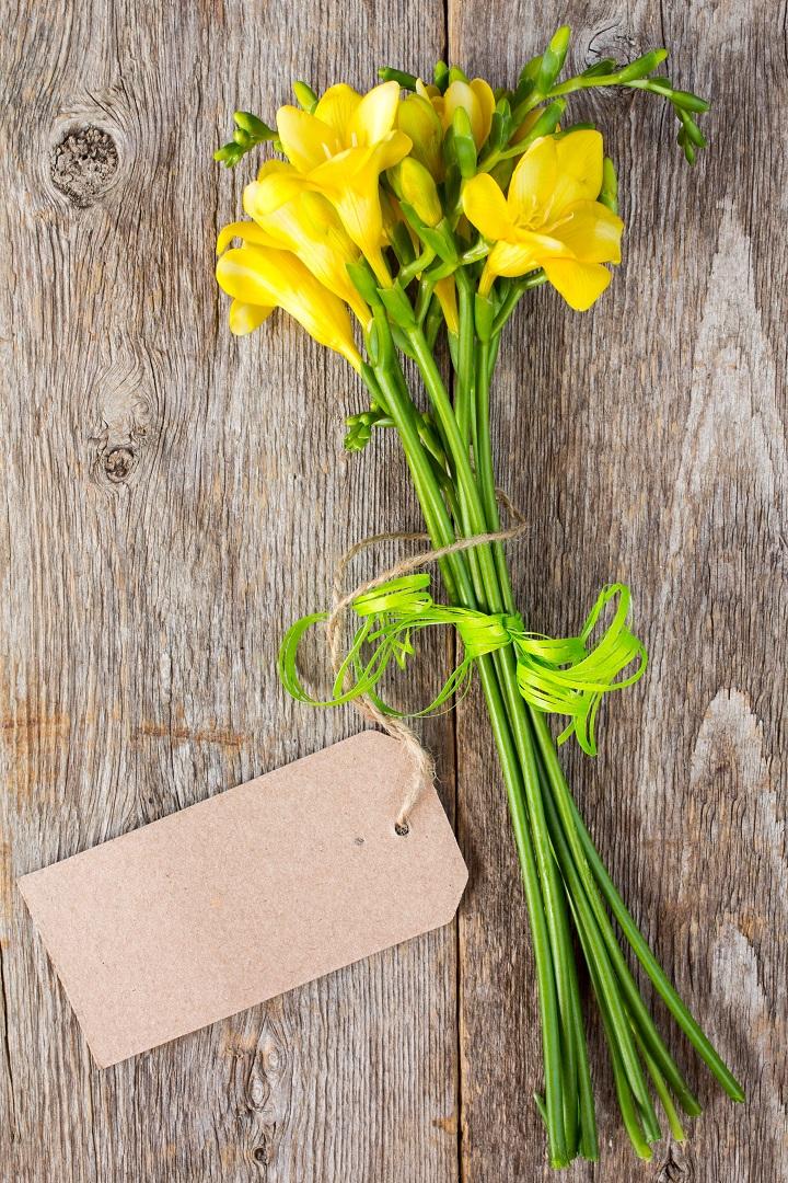 5 Flower Etiquette Tips: Learn Before Sending Flowers To Someone